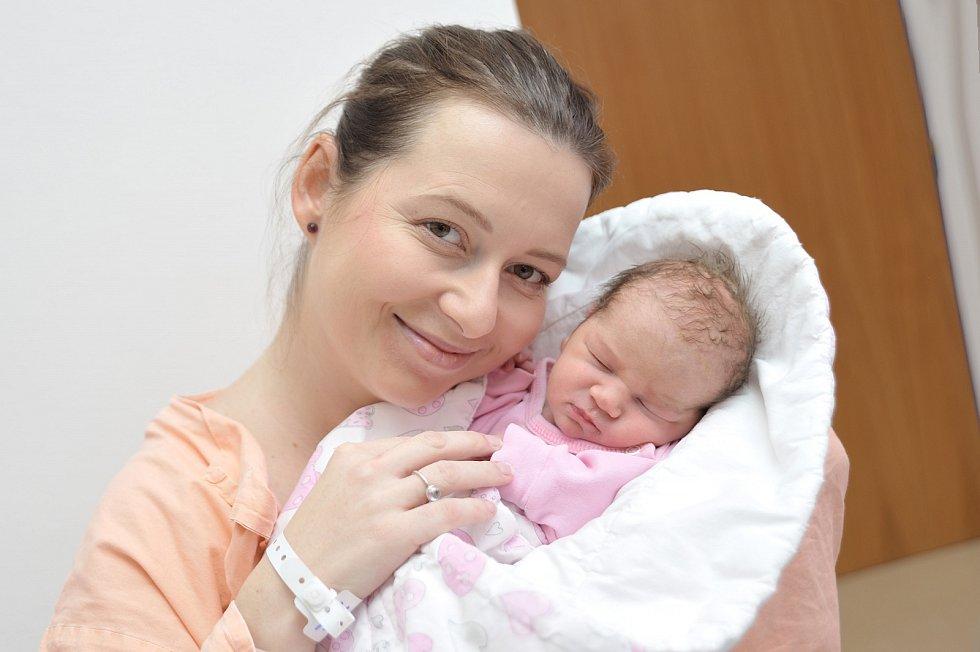 Josefína Tribulová, tak pojmenovali dceru Marika a Jirka z Lanškrouna. S váhou 2780 g se narodila 11. 12. v 16.16 hodin. Bráška se jmenuje Tonda.