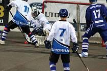 Letohradští hokejbalisté s Vlašimí prohráli, ale předvedli srdnatý výkon.