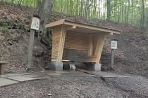 Neznámy vandal zničil kapličku v Hůře u Petrovic
