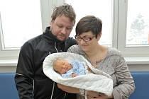 Jiří Potužník se narodil 17. 12. v 19.16 hodin, s rodiči Kateřinou a Ondřejem a sestřičkou Anetkou bude doma v Rokytnici v O. horách.  Při narození vážil 3,270 kg.