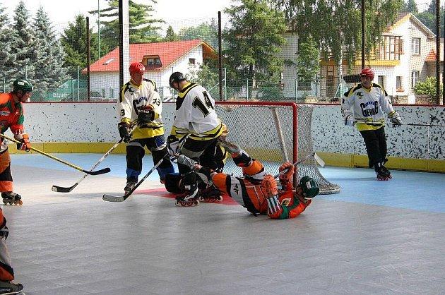 Na místním zimním stadionu se za velmi krásného a až nadměrně teplého počasí uskutečnil již 5. ročník mezinárodního Prázdninového turnaje v in-line hokeji.