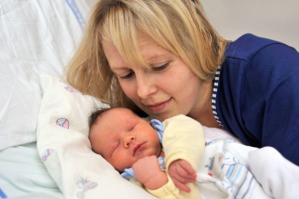 Petr Beneš bude doma v Letohradu – Kunčicích s rodiči Martinou Filipovou a Petrem Benešem. Narodil se 15. listopadu ve 13.23 hodin, kdy vážil 3,100 kg.