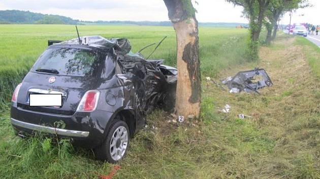 Z tragické nehody u Zámrsku.