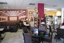 Kavárna u kina v Lanškrouně.