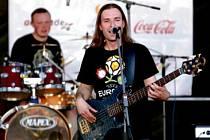 Tomasz Myćka, frontman kapely HAK Band z Nowe Rudy.