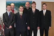 Z leva Adam Pomikálek, Roman Zajíc, Libor Hábálek, Starosta Petr Fiala, Jan Šnebergr, Petr Moravec.