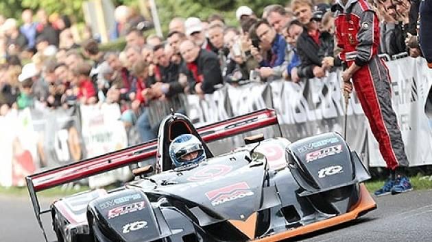 Miloš Beneš hájí barvy lanškrounské stáje GMS Racing team s vozem Osella FA30.