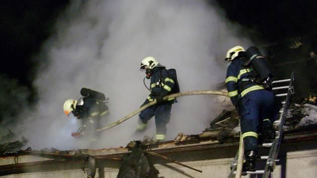 Požár rodinného domu v Lukové.