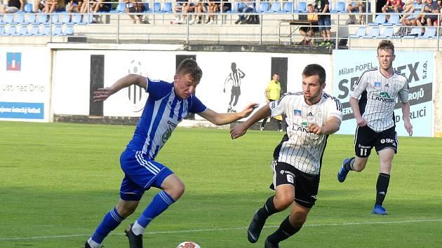 ŠKODOVKA ODJELA S PRÁZDNOU. Ústečtí měli v zápase s rezervou Mladé Boleslavi navrch a zvítězili 2:1. Dvě branky Jiskry vstřelil J. Chleboun.