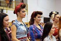Na mezinárodní soutěži v kadeřnické a kosmetické tvorbě Kalibr Cup si studentky lanškrounské SOŠ a SOU vedly víc než dobře, získaly přední umístění ve všech kategoriích.