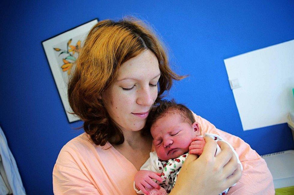 Antonie Bilerová je po Rozárce druhou radostí manželů Heleny a Martina Bilerových  z Albrechtic. Narodila se 26. srpna ve 20.47 s váhou 3,08 kg.