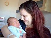 Vojtěch Renčín se narodil 20. 2. ve 20.44 hodin Tereze a Michalovi z Voděrad. Při narození vážil 3,95 kg.