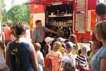 Návštěva dětí u záchranářů v Ústí nad Orlicí.