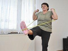 Lenka Vágnerová při cvičení.