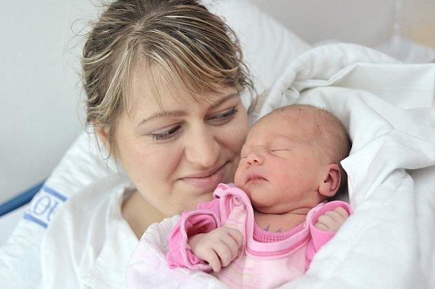 Anežka Kubešová těší rodiče Nelu a Jaromíra z Horní Čermné. Když se 3. 5. v 17.12 hodin narodila, vážila 2,88 kg. Doma se na ni těší i bratříček Jaromír.