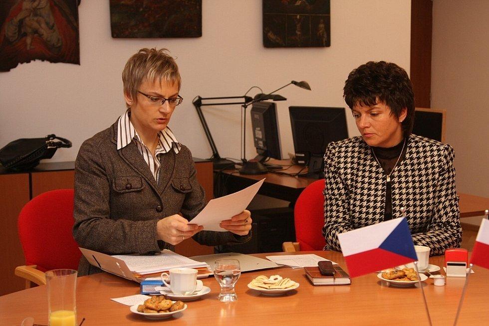 Města Bysrzyca Klodzka a Ústí nad Orlicí podepsala smlouvu o společné žádosti o dotaci z fondů EU.