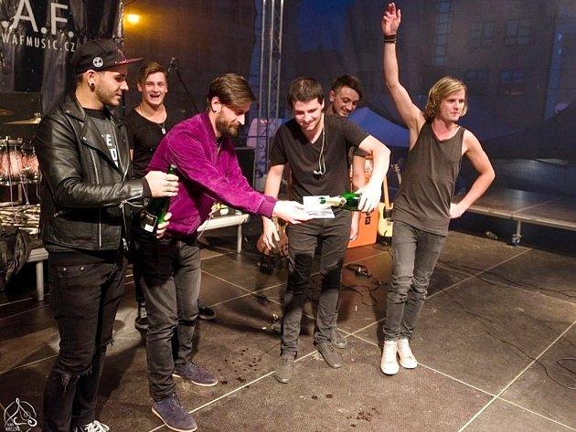 """Nové album """"Stále neklidní"""" pokřtila kapela W.A.F. v září na vysokomýtských Městských slavnostech."""