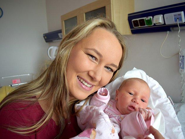 Stela Smejkalová je po Izabelce dalším dítětem Terezy a Tomáše z Letohradu. Narodila se 5. 9. v 7.57 hodin, kdy vážila 3,170 kg.