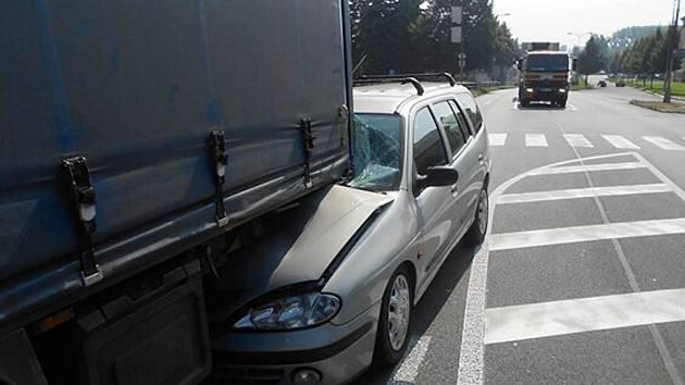 Nehoda u Mýtnice.