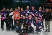 Vítězi v první lize dvanáctého ročníku Computer Shop Cupu se stal tým Krajánci. V posledním hracím dni je potrápil celek Kunvaldu. Po těsné výhře se ale mohl celý tým radovat z poháru za první místo.