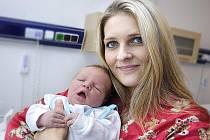 Filip Vaňous 28. září ve 21.18 hodin rozšířil rodinu Moniky a Filipa z Lanškrouna, kde už mají děti Nikolku a Laurinku. Chlapec vážil 4,2 kg.