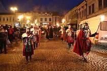 Tříkrálový průvod byl lákadlem i v ulicích Ústí nad Orlicí.