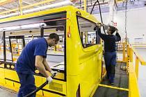 Iveco ve Vysokém Mýtě navyšuje výrobu. Pracovníky hledá v zahraničí.