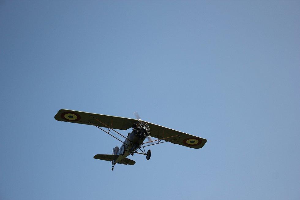 Slet letadel v Jehnědí.