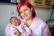Kristýna Vyskočilová se narodila 15. 11. v 15.25 hodin Monice Bárnetové a Františku Vyskočilovi z Rudoltic. Vážila 3,28 kg a ze sestřičky má radost i bráška Pepa.