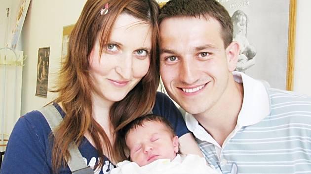 Diana Charfreitagová těší od 12. května od 13.12 hodin rodiče Lucii a Marcela ze Žamberku. V porodnici jí navážili 3,27 kg a naměřili 49 cm.