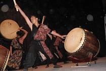 Bubeníci z Tchajwanu navštívili Čermenské folklorní slavnosti.