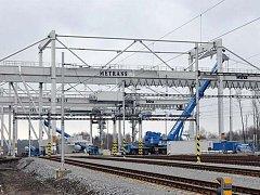 Železniční překladiště Metrans se dokončuje.