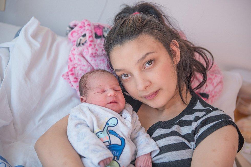 Sebastian Červeňák je po Erikovi druhým synem Lenky Červeňákové a Erika Dunky z Ústí nad Orlicí. S váhou 2850 g se narodil 2. 1. v 0.48 hodin.
