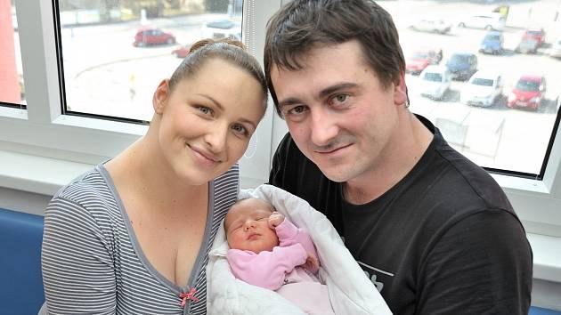 Anna Pfitznerová je po Irence druhou dcerou Ireny a Tomáše ze Žichlínku. Holčička si na svět 6. 3. v 3.35 hodin přinesla váhu 3670 g.