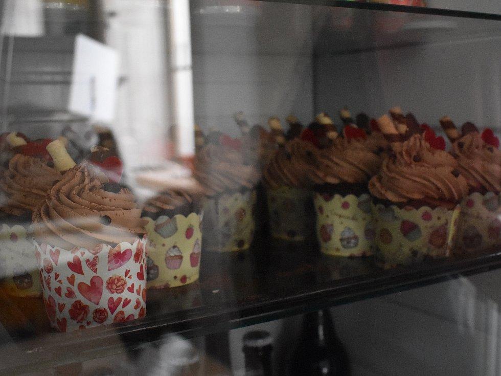 Také kavárna v ústeckých Hylvátech připravila na Valentýna pro zamilované páry speciální nabídku.