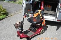 Invalidní vozík.