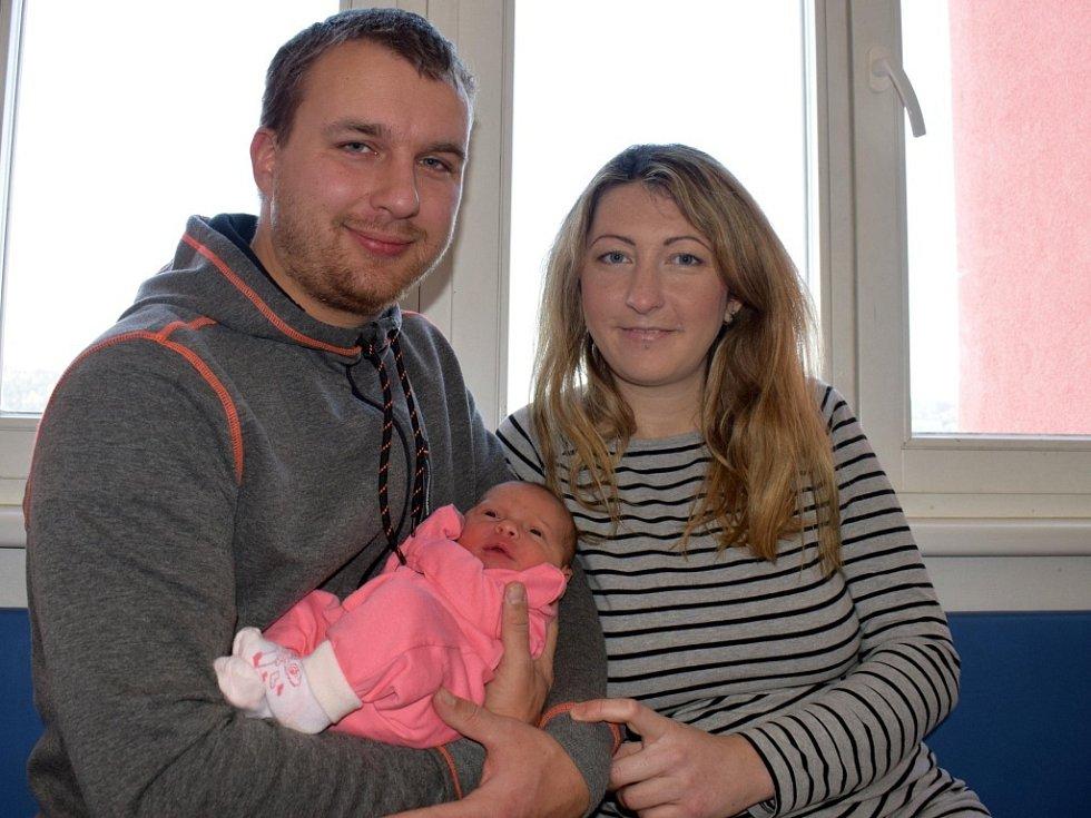 Alice Šponarová je prvním dítětem Ivany a Michala z Lanškrouna. Holčička se narodila 4. 12. v 8.52 hodin s váhou 3,560 kg.