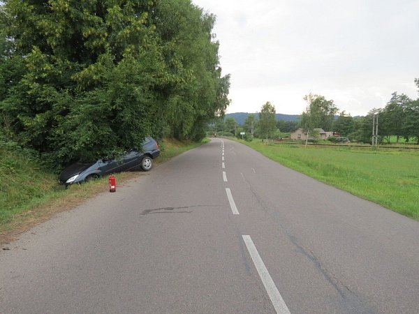 Nehoda fordu uDolní Dobrouče.