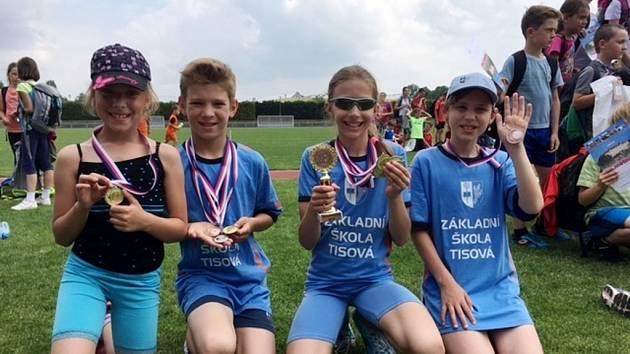 Lehkoatletická soutěž škol - medailisté.