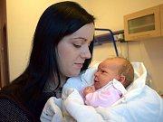 Nikola Mičková dělá radost Pavle a Liborovi z Dolní Dobrouče. Narodila se 28. 11. v 16.06 hodin, kdy vážila 3,200 kg. Doma se na ni těší i bráška Románek.