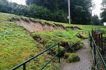 Odpolední přívalové deště způsobovaly problémy i v Ústí nad Orlicí, orlickoústečtí hasiči zasahovali na několika místech.