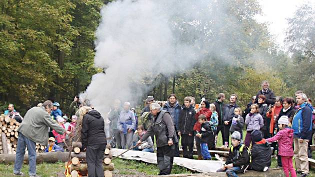 Z představení nového totemu v Srnově a akce Rodina na stezce.