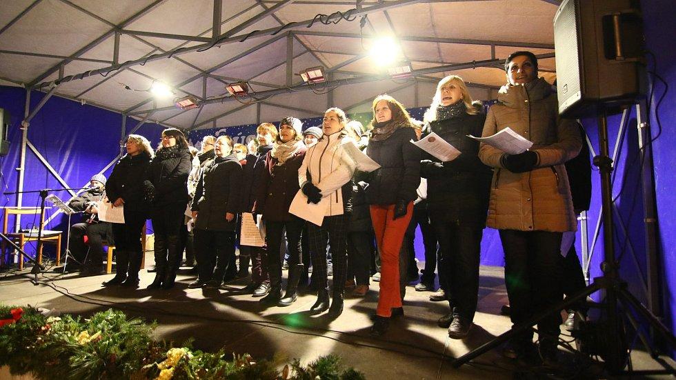 Česko zpívá koledy v Ústí nad Orlicí.
