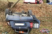 Nehoda osobního automobilu v Libecině.