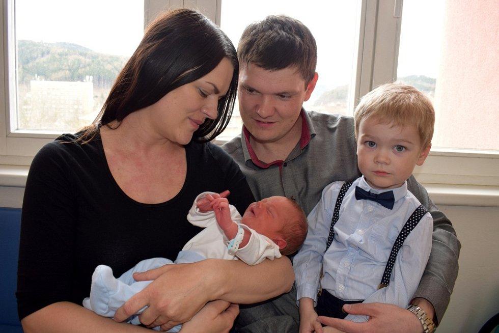 Jakub Matějíček rozšířil rodinu Jitky a Jana ze Žamberku. Narodil se 2. 4. v 10.15 hodin, kdy vážil 3,170 kg. Bráška se jmenuje Petr.