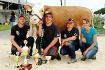 Šampionka 7. ročníku Orlického poháru z Podorlicko Mistrovice, vyhrála kategorii krávy a zároveň prvotelky.