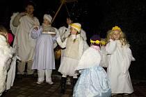 Vánoční jarmark a dětské tvůrčí dílny v Domově pod hradem Žampach.