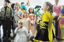 Z karnevalu ve Skuhrově.