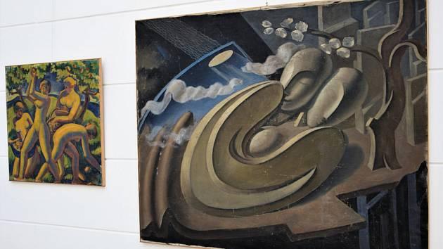 Výstava zůstala prozatím veřejnosti utajena, galerie alespoň na svém webu zveřejnila šestici fotek.