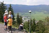 Setkání turistů na Křížové hoře.